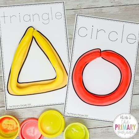 These playdough shape mats are a great way to teach your toddler shapes and build fine motor skills.