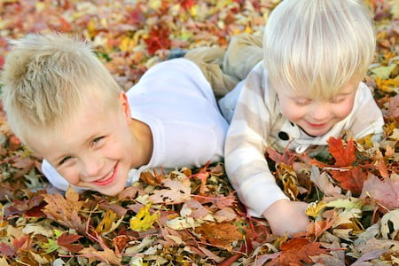 outdoor fall activity for kids