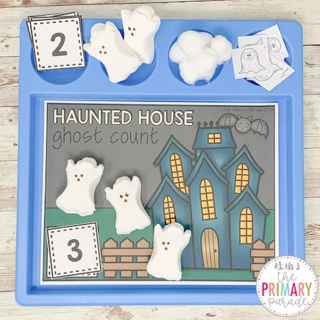 free halloween printable for kids to practice counting with a Halloween worksheet